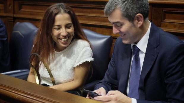 La vicepresiedenta y presidente canario, Patricia Hernández (PSOE) y Fernando Clavijo (CC), este lunes