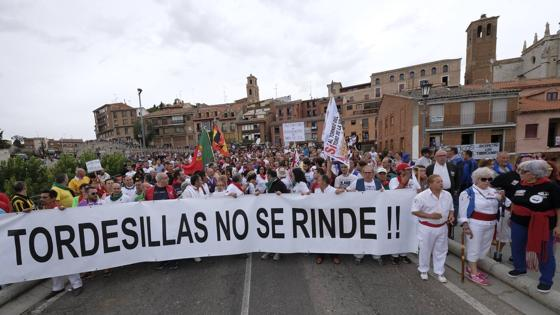 Manifestantes a favor del Toro de la Vega