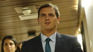 Rivera advierte al PP que no contará con su apoyo si Barberá no dimite