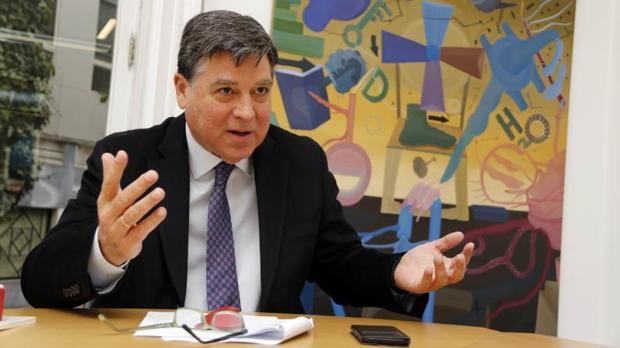 José Manuel Claver, en su despacho durante una entrevista concedida a ABC