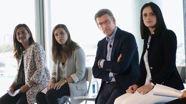 El presidente de la Xunta en un acto sectorial con menores de 35 años en Vigoi