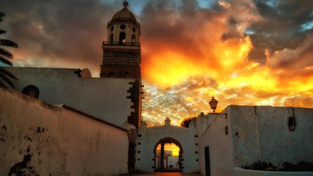 Los ataques piratas a Teguise traían a Lanzarote fuego y desolación