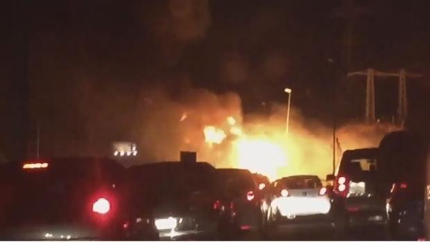 Imagen del momento del incendio en la M-50