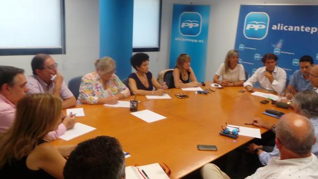 Reunión de la Comisión de Sanidad del PP Provincia de Alicante, este martes