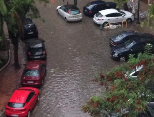 Aspecto de la zona de la plaza Xúquer tras la tromba de agua
