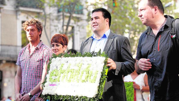 Miembros de Bildu que fueron a la Diada: de izquierda a derecha, M. Ramírez, B. Ruiz, J. Iñarritu y P. Barrena