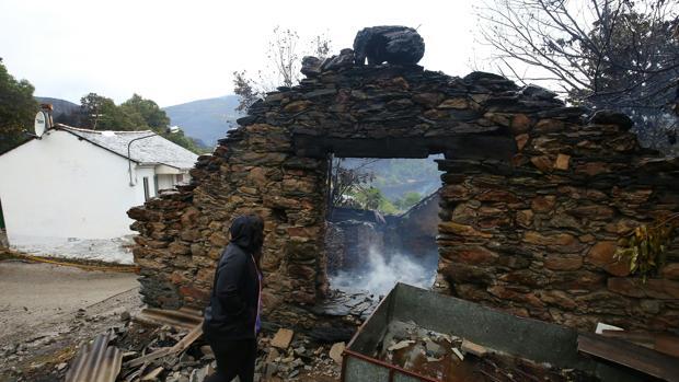 La localidad de San Pedro de Paradela, una de las más afectadas durante la jornada del lunes