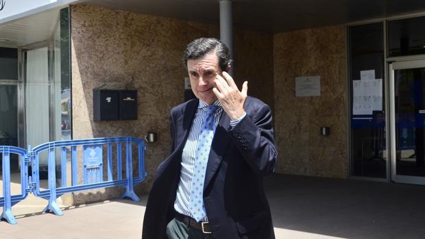 El expresidente balear, Jaume Matas, a su salida de la sede de la Escuela Balear de la Administración Pública