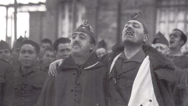 Millán Astray junto a Franco, en una imagen de archivo