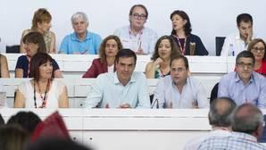 Ofensiva de dirigentes socialistas contra el ataque a Vara por defender la abstención del PSOE