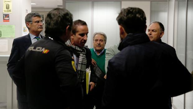 Imagen de Rus, Llopis y Caturla tomada el día de su detención