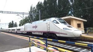 Un maquinista abandona un tren con más de 70 pasajeros a bordo para no infringir la ley