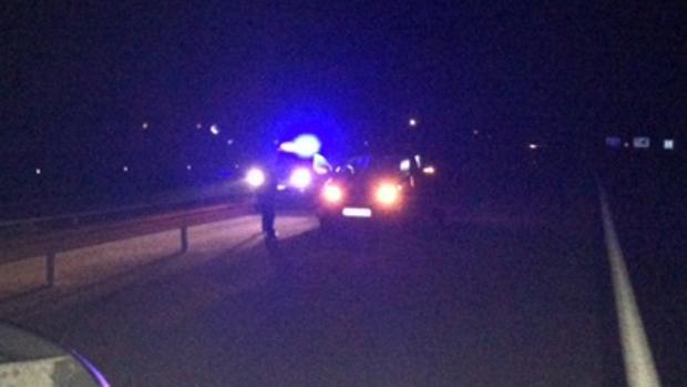 Imagen facilitada por la Guardia Civil del momento en que fue interceptado el vehículo
