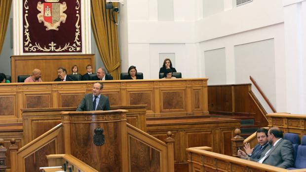 Ruiz Molina durante su comparecencia en las Cortes