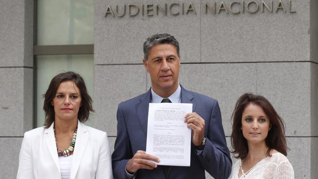 García Albiol, junto Esperanza García y Andrea Levy en la Audencia Nacional