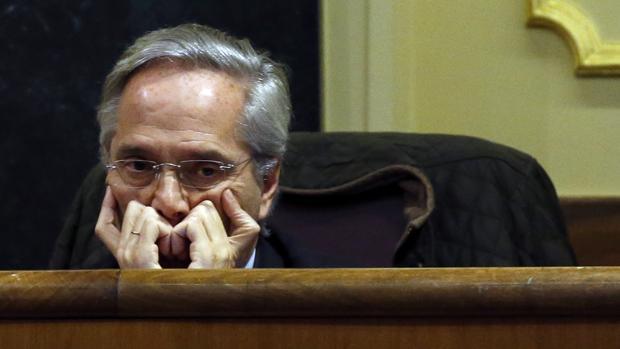 El exdiputado Gómez de la Serna, fuera del Grupo Parlamentario Popular, en una sesión de la XI Legislatura