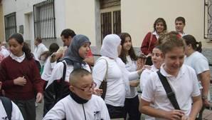 Un instituto público de Valencia prohíbe a una alumna musulmana asistir a clase con pañuelo en la cabeza