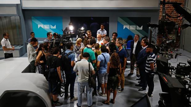 Imagen de la visita realizada por Ximo Puig a las instalaciones de RTVV