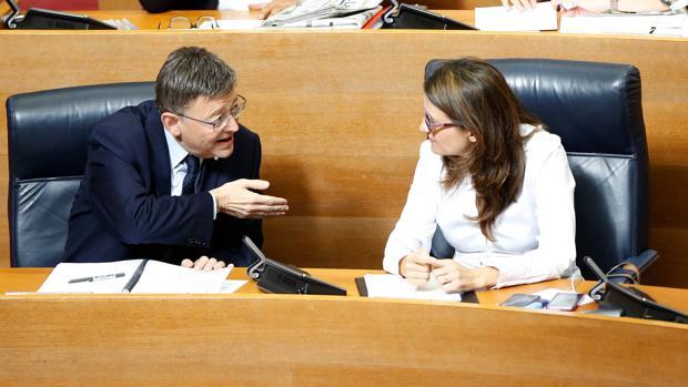 Imagen de Puig y ltra tomada este jueves en las Cortes Valencianas