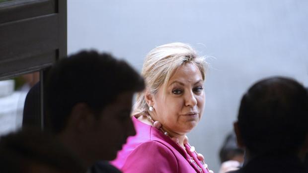 Rosa Valdeón mantiene, a día de hoy, su cargo de aforada