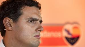 Rivera ve complicado el desbloqueo del PSOE, aunque afirma que habrá que esperar al 25-S