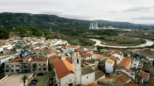 Imagen de una vista general de la población de Cofrentes