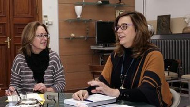 Isabel del Bosque (izquierda), junto a la presidenta de la Diputación de Palencia, Ángeles Armisén