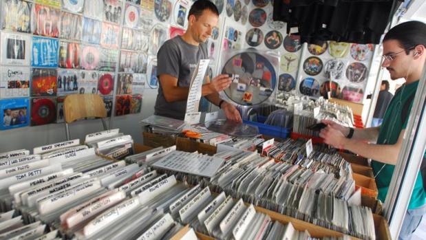 Caseta de discos de vinilo de ocasión