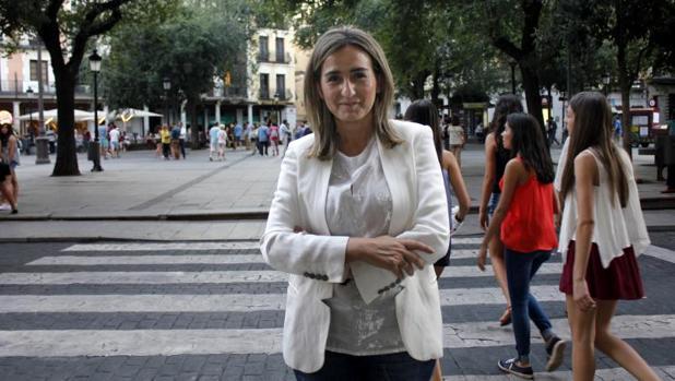 Milagros Tolón, alcaldesa de Toledo, en la plaza de Zocodover
