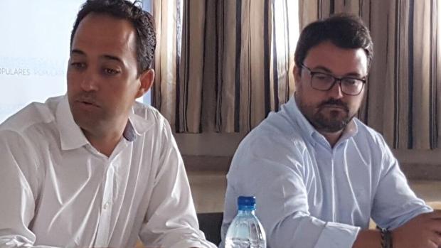 Casañas, presidente del PP de El Hierro, y Asier Antona, este sábado en El Hierro