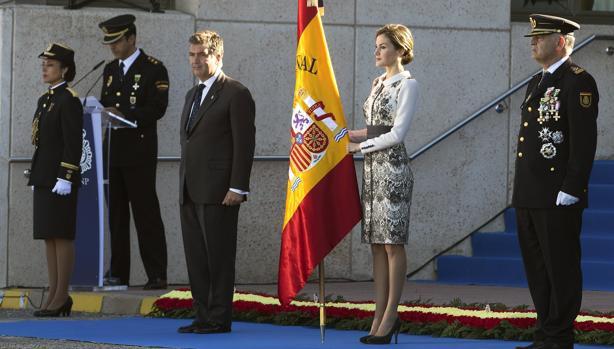 La Reina entregó la bandera de España a la Escuela de Policía de Ávila el pasado noviembre