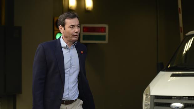 Tomás Gómez. en la sede del PSOE en Ferraz
