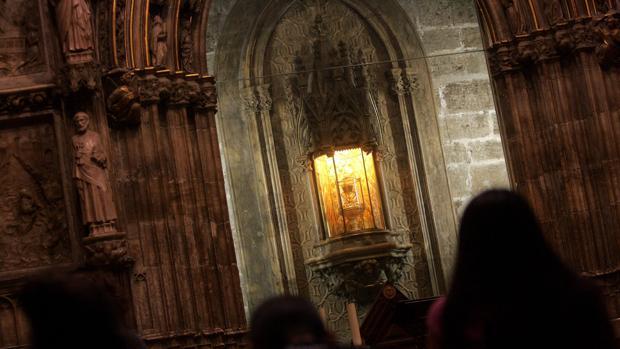 Imagen del Santo Cáliz en la Catedral de Valencia
