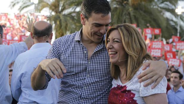 Díaz y Sánchez, en el cierre de la campaña del pasado 26-J en Sevilla