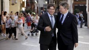 Puig y Puigdemont ratifican el acuerdo para la reciprocidad de emisiones de TV3 y RTVV