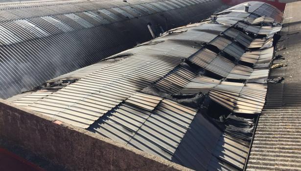 Imagen de la nave afectada por el incendio