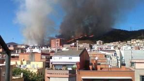 Un incendio quema 18 hectáreas en la sierra de Collserola