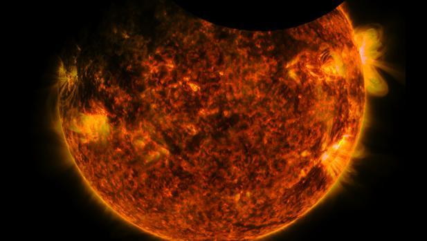 Un eclipse solar visto por IRIS