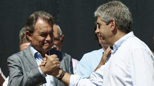 Artur Mas. junto a Francesc Homs en el acto de apoyo al portavoz del PDC celebrado el pasado domingo