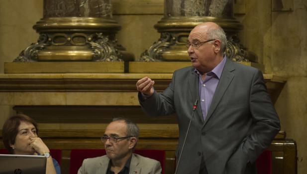 El líder de Catalunya SíQueEsPot, Lluís Rabell, en el Parlament