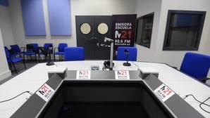 Carmena gastará 634.000 euros al año en pagar a tertulianos para su radio