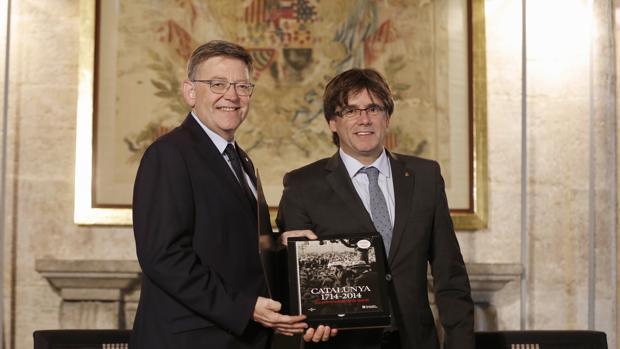 Imagen de la reunión entre Puig y Puigdemont