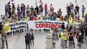 La manifestación para pedir la dimisión de Rita Barberá apenas congrega a cincuenta personas