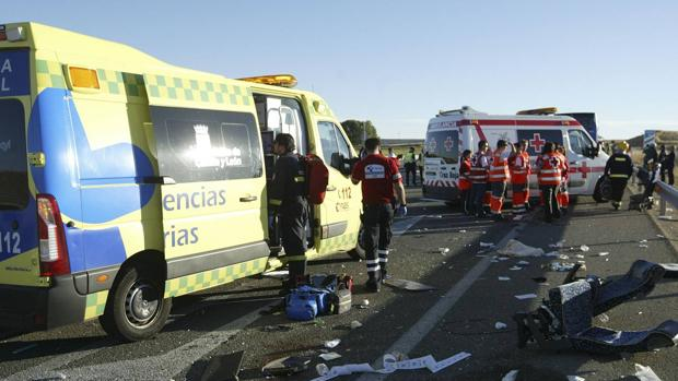 Servicios médicos en el lugar del accidente