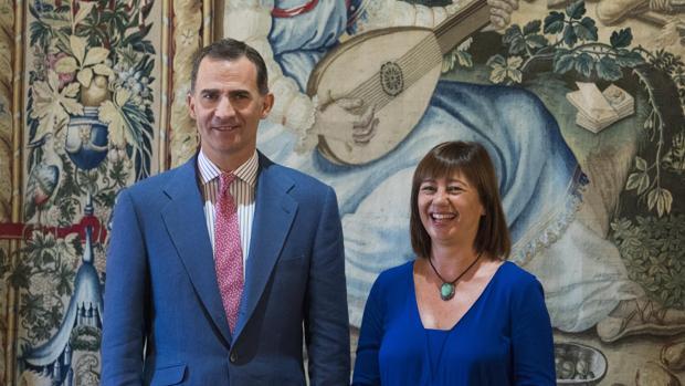 El Rey Felipe VI, junto a Francina Armengol, presidenta de las Islas Baleares