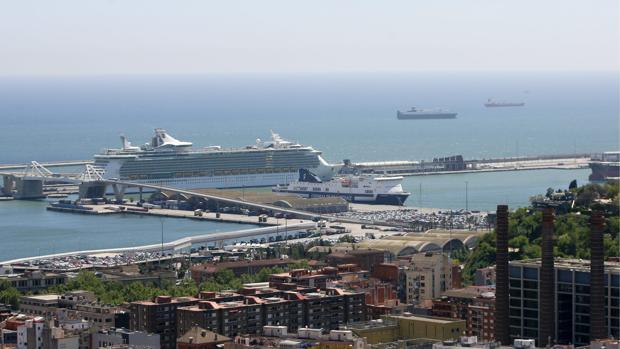 Una vista del Puerto de Barcelona