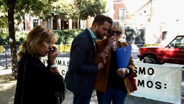 La familia de Antonio Cedillo busca justicia en Madrid