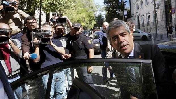 Homs asegura que el Gobierno tanteó un pacto con la Generalitat para evitar la querella del 9-N