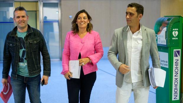 Raúl Santaeufemia, Milagros Marcos y Vicente Andrés, tras la reunión de la Fundación Anclaje sobre Lauki