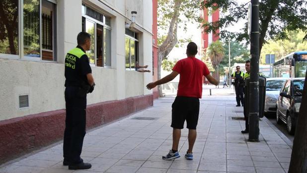 Varios agentes actúan en un incidente en el barrio de San Cristóbal de los Ángeles